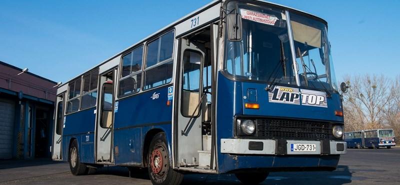Búcsúzik a BKV legöregebb busza: 1,3 millió kilométert futott – fotók