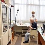 Betegeikre is alig marad idejük a háziorvosoknak az oltások szervezése miatt