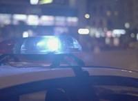 Bozótvágó karddal támadt a rendőrökre – lelőtték