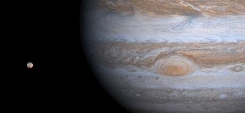 A tudósok benéztek a Jupiter mögé, és nagyon meglepődtek azon, amit ott láttak