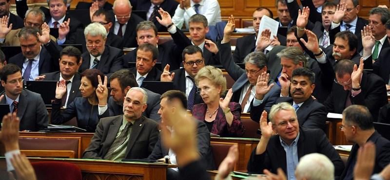 November 7-én dönt a Fidesz az adótörvényekről