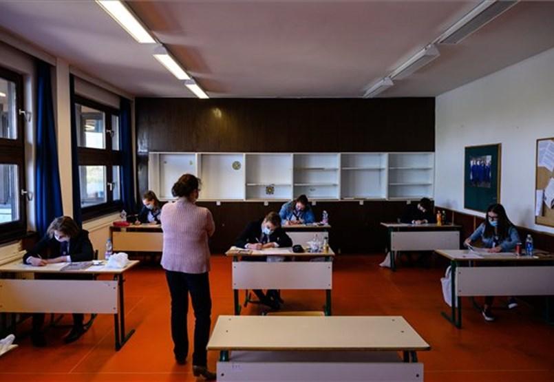 Őszi érettségi első napja számokban: több mint 1600-an vizsgáznak ma