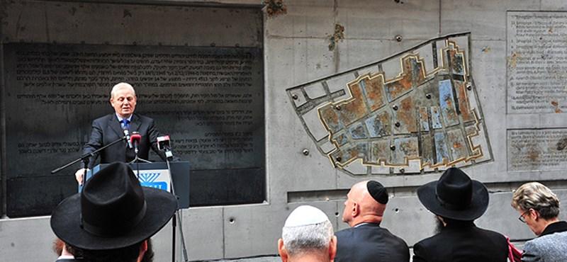 Fotó: Felavatták a budapesti gettó emlékfalát