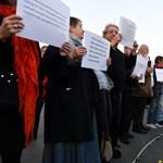 """""""Egy mondat"""": a hajléktalanságban élők védelmében tüntettek a fővárosban"""