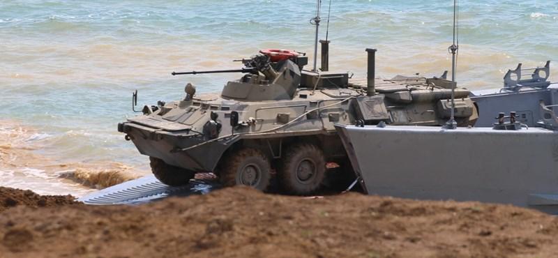 Visszavonják az orosz csapatokat az ukrán határról