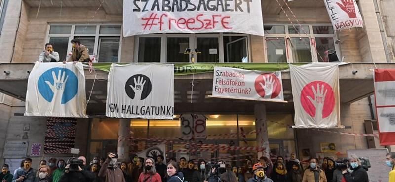 Szarka Gábor: Péntek estig mindenkinek el kell hagynia az SZFE épületeit