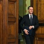 Megtiltotta a kormány, hogy adót emeljenek az önkormányzatok