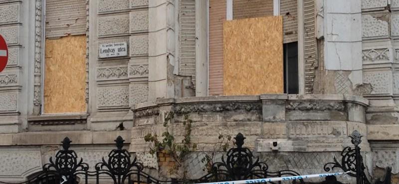 Felújítják a Fidesz lepusztult székházát 460 millióból