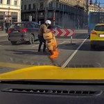 Kigyulladt robogójával küzdött egy motoros az Erzsébet hídon ? videó