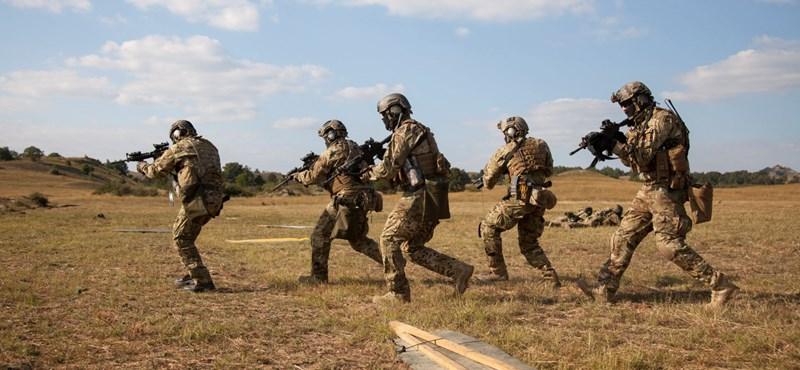 Repülőket vásárolt a HM, a magyar katonák mégis bérelt géppel jutottak el Irakba
