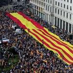 További két hónap haladékot kér a katalán elnök