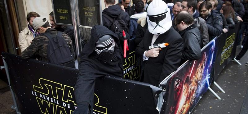 Dühöngenek a hoppon maradt Star Wars-fanok, a Cinema City új vetítéseket ígér