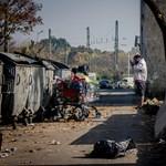 Hős utca: Pisztolylövést hallani, de a gyerekek csak nézik tovább a tévét