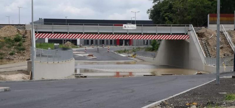 Megállt a víz az elterelő aluljáróban, nem engedélyezik a Nagytétényi út lezárását