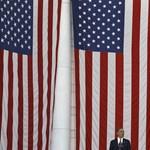 Obama bocsánatot kért a koncentrációs táboros bakiért