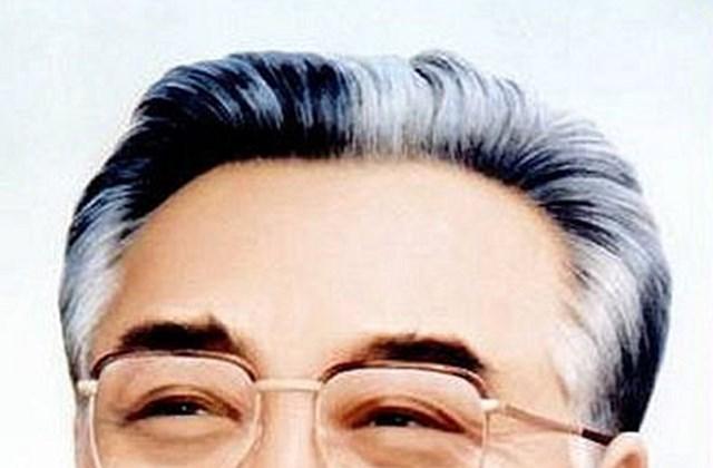 Kim Ir Szen mosolygósan maradt meg az észak-koreaiak emlékezetében