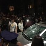 Jézusnak öltözve állta el a rendőrök útját: zavargásba torkollt a Halloween az amerikai egyetemen