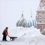Gumilövedéket is kaptak a hóeltakarítók az elégedetlen moszkvaiaktól