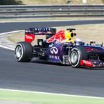 Vettelnek tetszenek az átalakított Pirelli-gumik