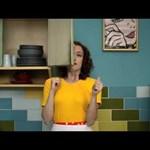 Megalázott asszony, tiszta udvar, rendes ház – videó
