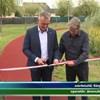 Helyi iskolások előtt adott át egy fél éve kész futópályát Borkai Zsolt