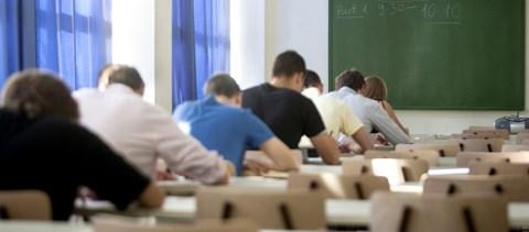 Tudni akarod, mennyit kell fizetned a szakmai nyelvvizsgáért? Mutatjuk