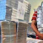 Újabb 200 milliót kaszált állami megrendeléseken a Századvég