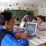 Így hasít a szélessáv: a kormány szerint 2018 végéig minden iskolában lesz szupergyors WiFi