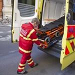 Kihívta, majd bezárta a mentősöket