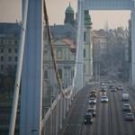 Baleset történt az Erzsébet hídon
