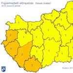 Narancs figyelmeztetést adtak ki négy megyére péntekre heves zivatar miatt
