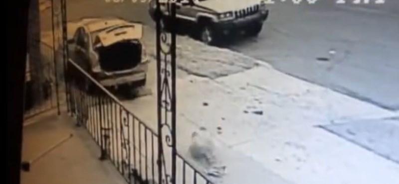 Igazi csoda: elcsapta a száguldó autó, túlélte a 8 éves kislány - videó