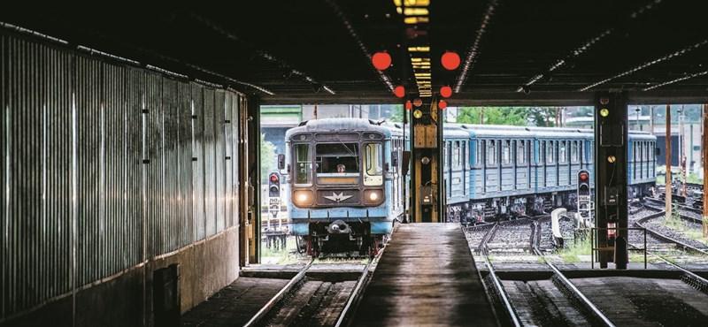 Elgázolt egy embert a 3-as metró, pótlóbuszok jártak