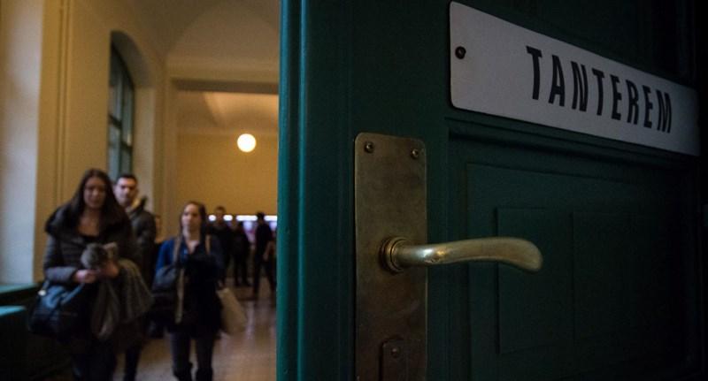 """""""A kormányzat is tudja, hogy baj lehet"""" - a nyelvvizsga-követelmény enyhítését javasolja a HÖOK"""