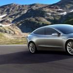 Most már biztos: ekkor kezdik gyártani a Tesla eddigi legolcsóbb autóját