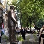 Mazsihisz: Egy antiszemita szobrát avatta fel Rétvári Bence