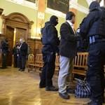 Ötven rendőr hasalt el a szolgálat megbízhatósági vizsgálatain