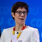 Megválasztották Angela Merkel utódját a CDU élére