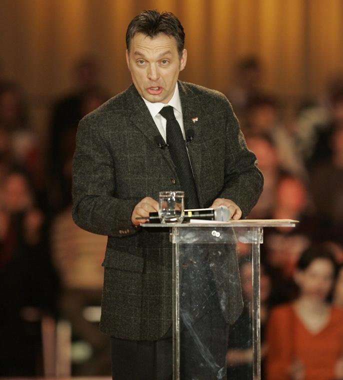 tg.06.01.29. Orbán Viktor évértékelő beszédet tart a SYMA Rendezvénycsarnokban 2006. január 29.