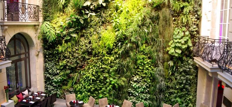 Függgőleges tetőkert - egy rendhagyó térépítészeti elem