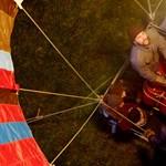 Kigyulladt és lezuhant egy hőlégballon, egy ember meghalt