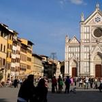 Halálra zúzott egy turistát egy kődarab egy firenzei bazilikában