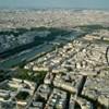 Késsel támadt a rendőrökre egy férfi Párizsban