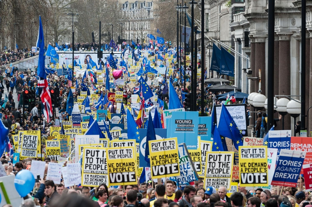 afp.19.03.23. Brexit tüntetés