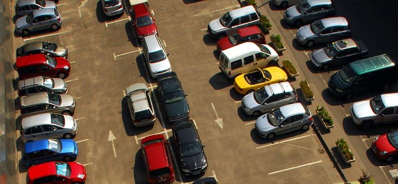 Egy évig ingyenes lesz a parkolás Józsefvárosban négy helyen is
