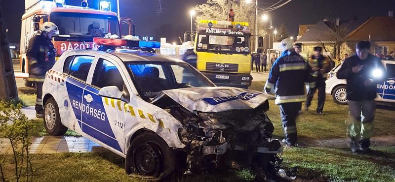 Így törnek az autók a rendőröknél és a mentőknél