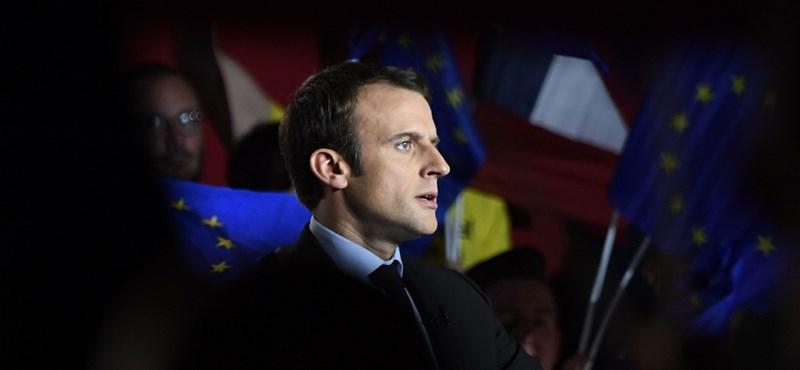 Két fontos hívást is lebonyolított az új francia elnök