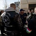 """""""Mocskos zsidók"""" - készenléti rendőrök lepték el a Jégbüfé környékét"""