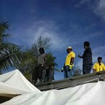 Megint megpróbáltak kiüríteni egy ausztrál menekülttábort