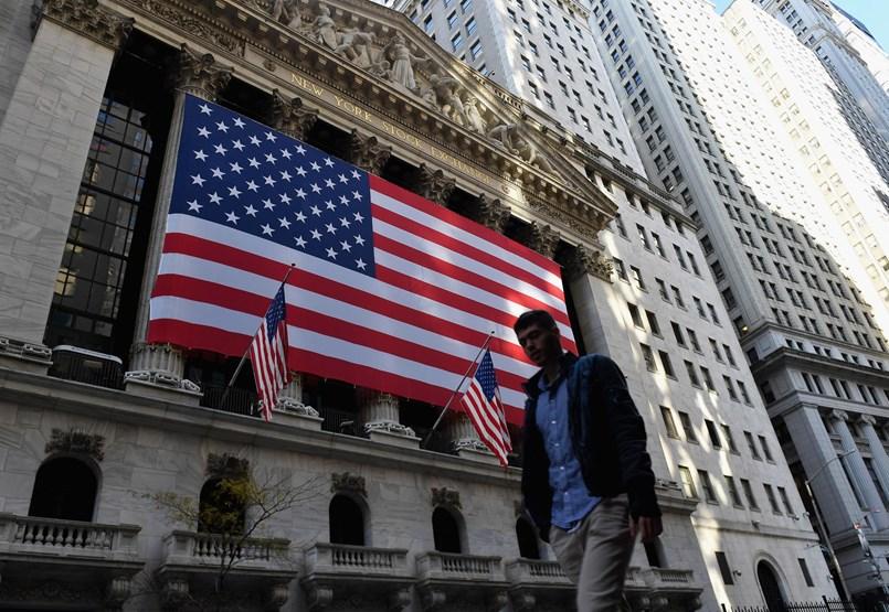 Trump búcsúzóul még odacsap Kínának is, amely már a szabad piac működését magyarázza az USA-nak